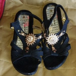 Shoes - NEW SUNRAY SANDALS!!!! Bought in Egypt
